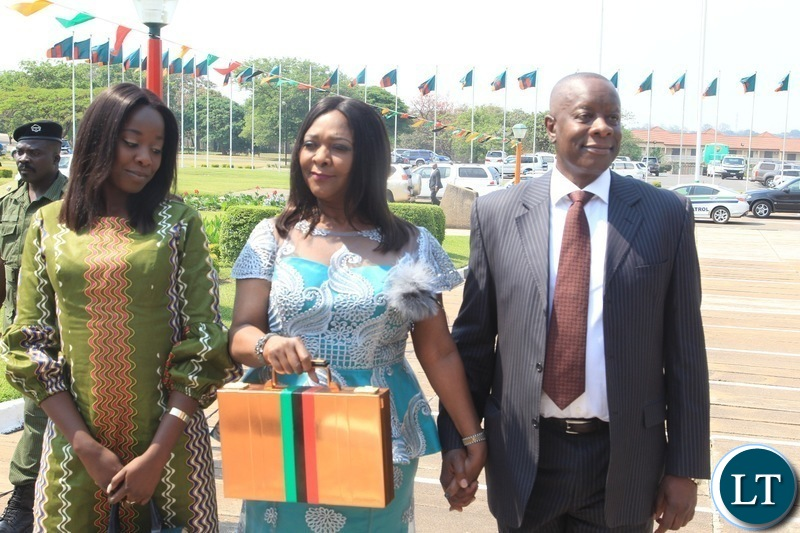 Minister of Finance ,Margaret Mwanakatwe arrives at parliament building for 2019 National budget presentation in Lusaka.