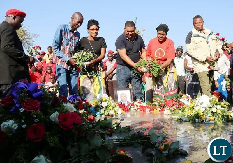 The UPND team laying wreaths at the grave of late Mangango MP Naluwa Mweene