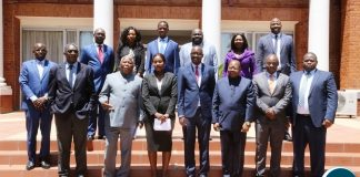 President Edgar Lungu take the official photo with Economics Association of Zambia Members shortly after the courtesy call at State House