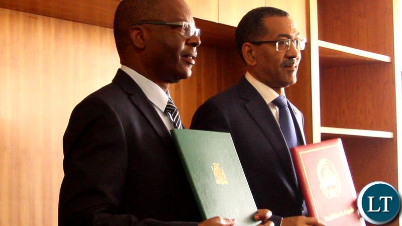 Minister of Energy Mathew Nkhuwa with Angolan Minister of Petroleum Diamantino Azevedo