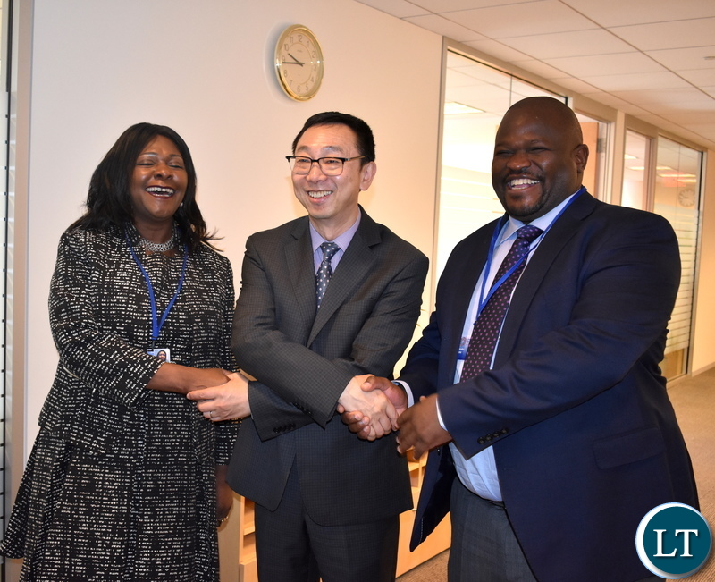 2-Ministers Chiteme and Mwanakatwe light moment with IMF Deputy MD 10-2019