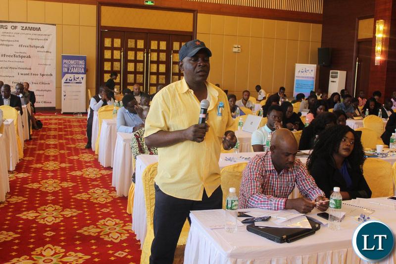 Participants at the Media Self Regulation Insaka deliberating