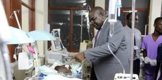 Minister of Health Dr. Chitalu Chilufya visiting the recovering twins