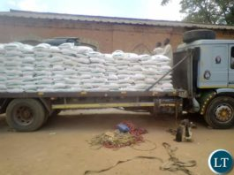 The Office of the Vice President through Disaster Management and Mitigation Unit (DMMU) has given 8,960 bags of mealie meal to Chasefu District in Eastern Province