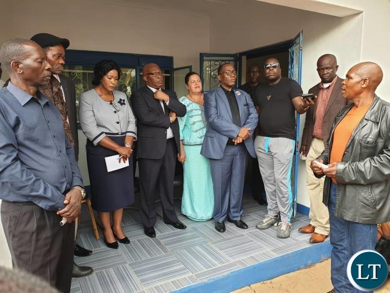 MMD Leadership Receiving Petitions