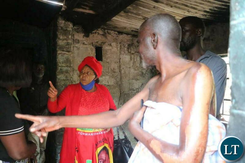 UPND Secretary General Stephen katuka accompanied by National Women Chairlady, Namakau Kabwiku to visit the victims