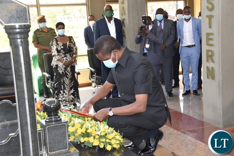 President Edgar Lungu laying wreaths at the tomb of the late President Sata during the Sata memorial service at Embassy park. Wednesday, October 28, 2020.Picture By ROYD SIBAJENE/ZANIS