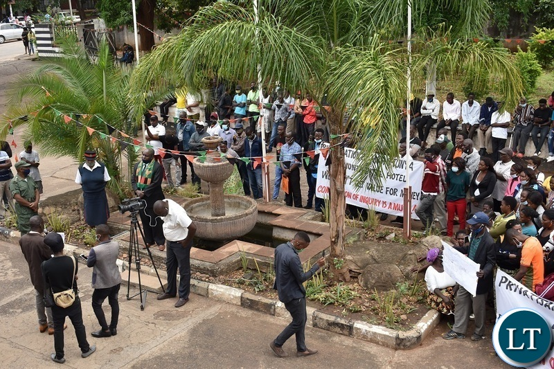 Former Intercontinental Hotel, Zambezi Sawmills, Rainbow Lodge and Eagles Travel employees marching to present petitions to Southern Province Minister Edify Hamukale in solidarity with those calling for a commission of inquiry into the privatisation process. Picture by KELVIN MUDENDA